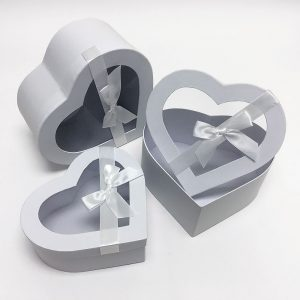 W7405 White Heart Shape Flower Boxes Set of 3 With Ribbon