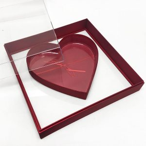 X Large Red Transparent Hard Plastic Square Flower Box With Heart Shape In The Middle