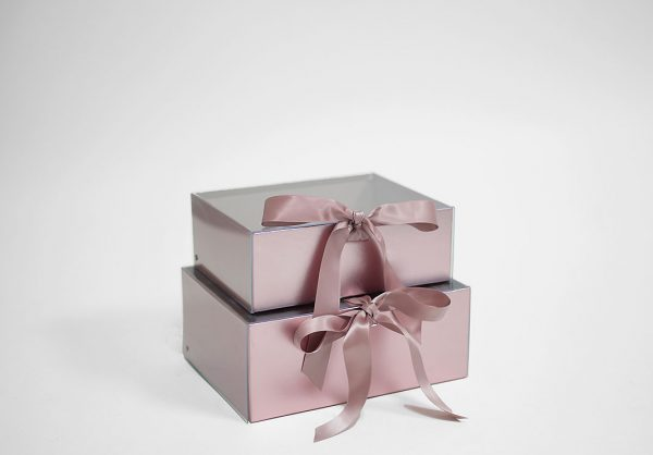 W7970 Rose Gold Rectangular Flower Boxes With Clear Lid and Ribbon Set of 2